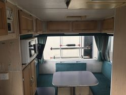 2001 Winnebago Dreamseeker